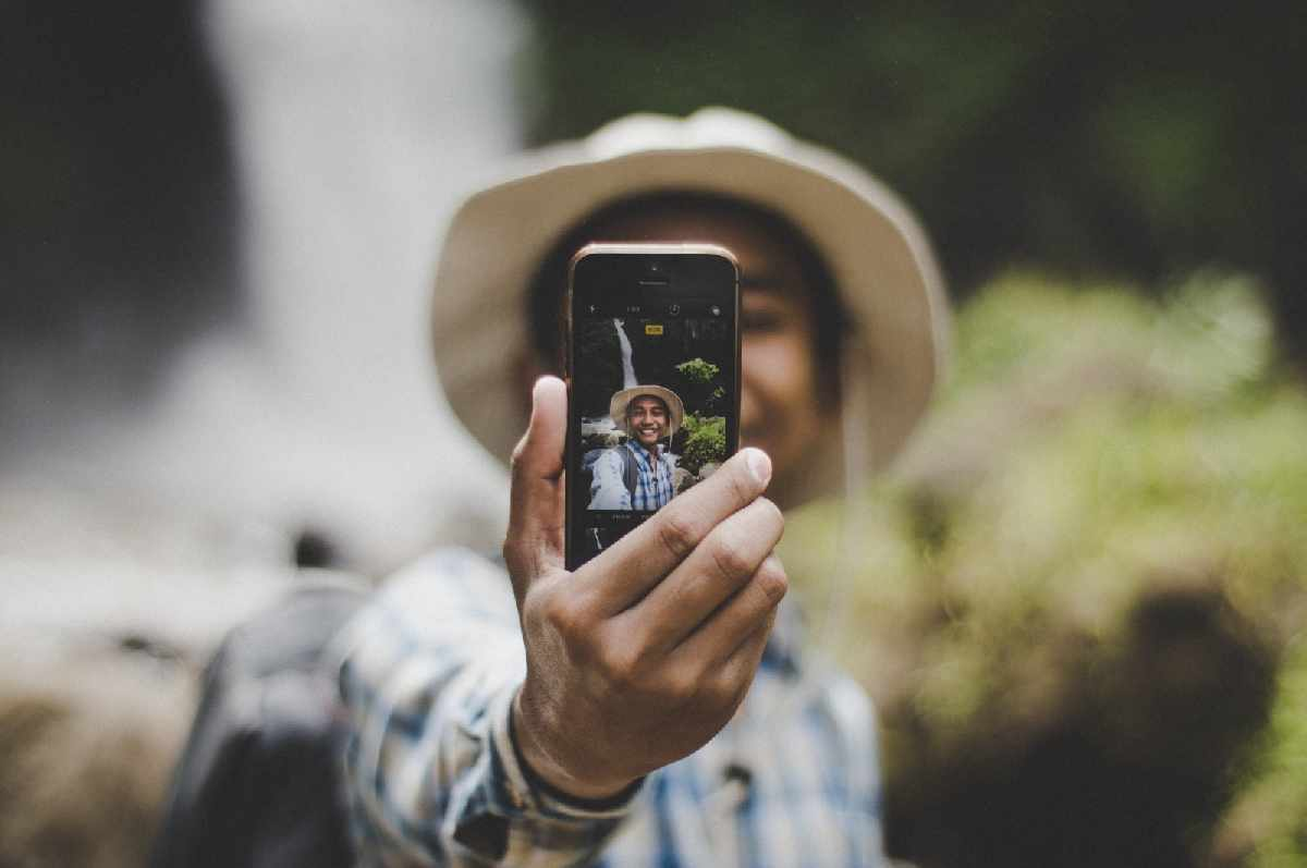 Hukum Mengambil Gambar Dengan Kamera