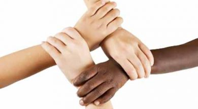 Mengikat tali persaudaraan beda agama?